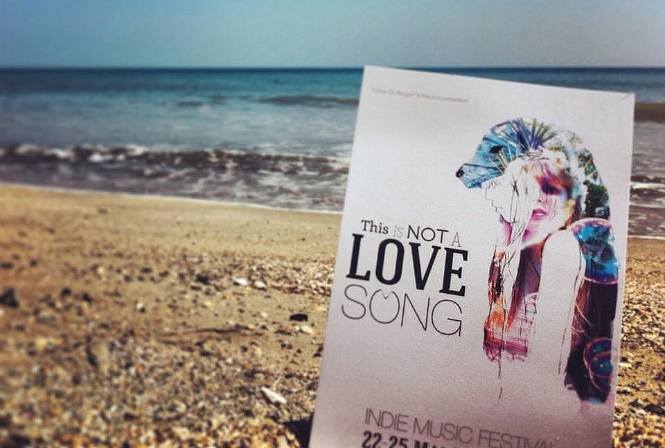 love-song-nimes-plage