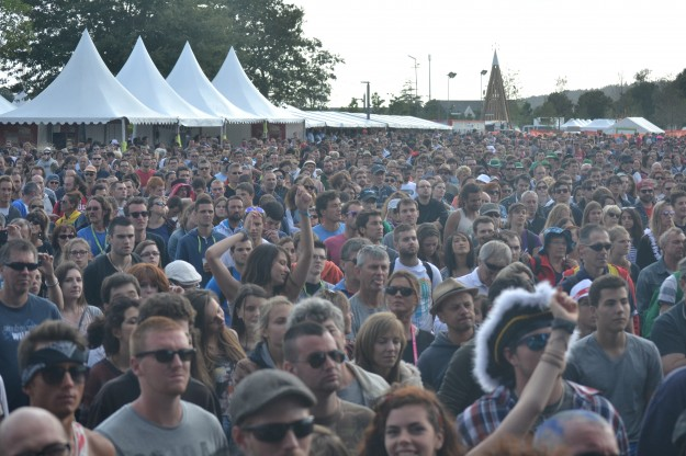 Le public de la Fête du Bruit pendant The Strypes