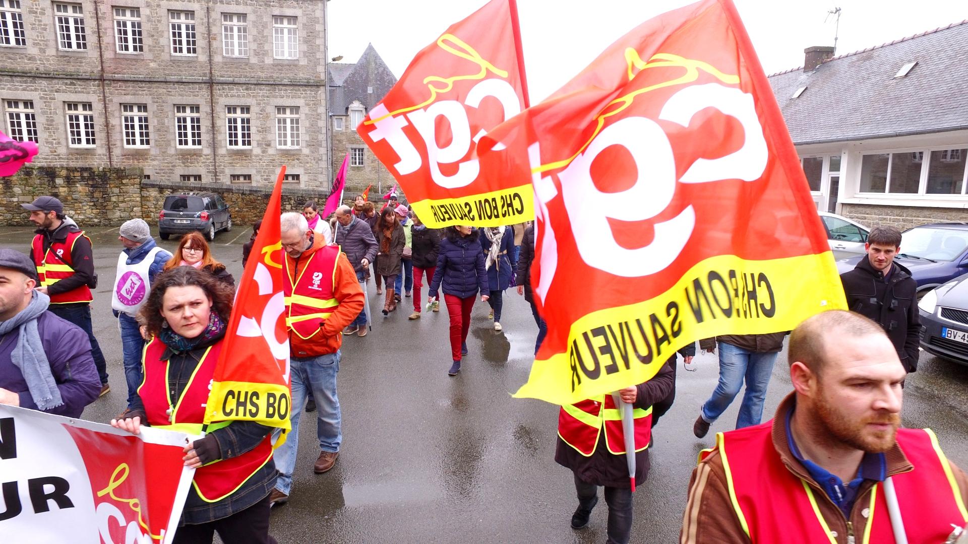 Manifestation pour la défense de l'hôpital psychiatrique de Bégard - La Déviation