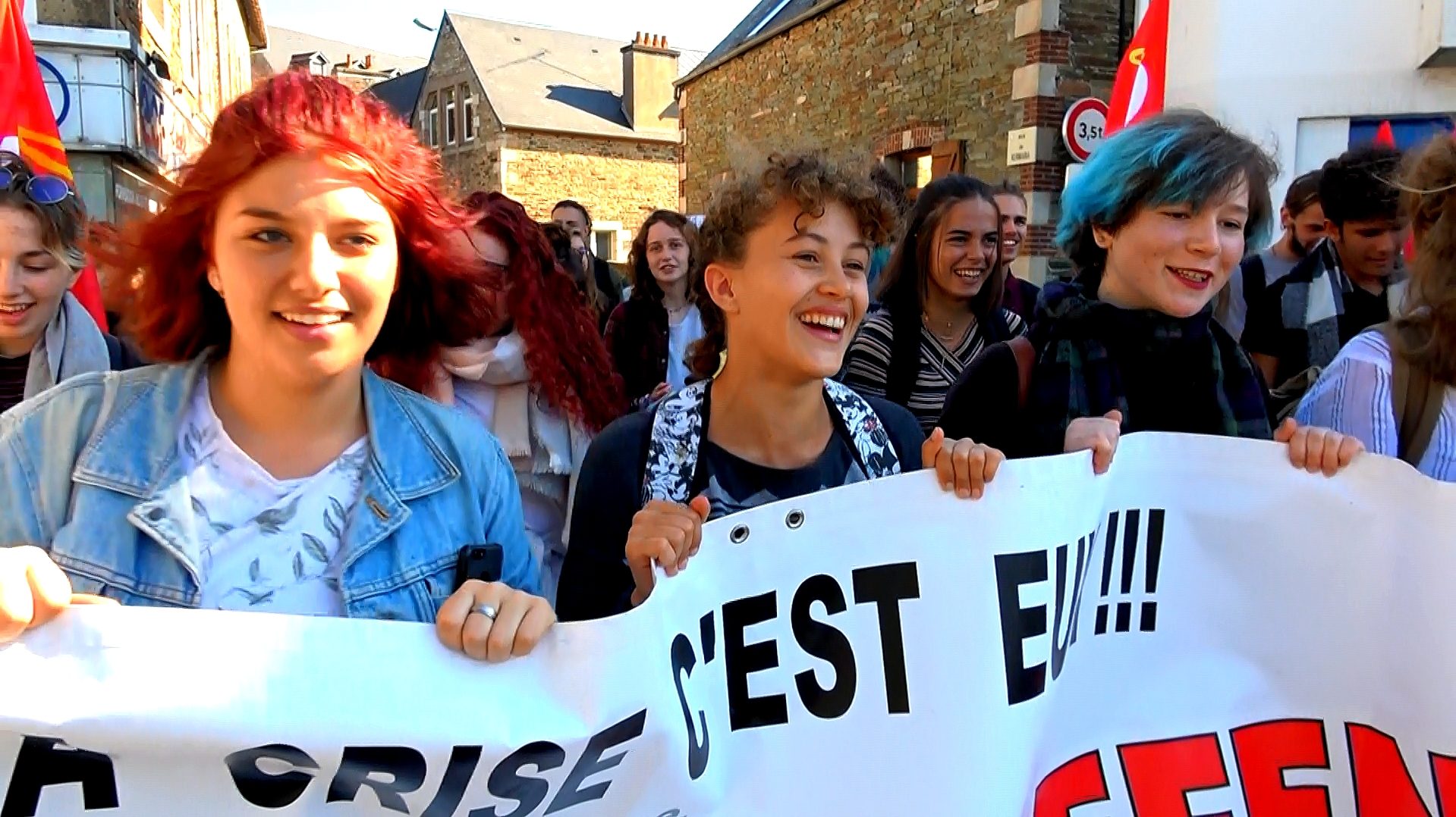 Cortège du lycée Savina lors de la manifestation intersyndicale de la rentrée 2018 - La Déviation