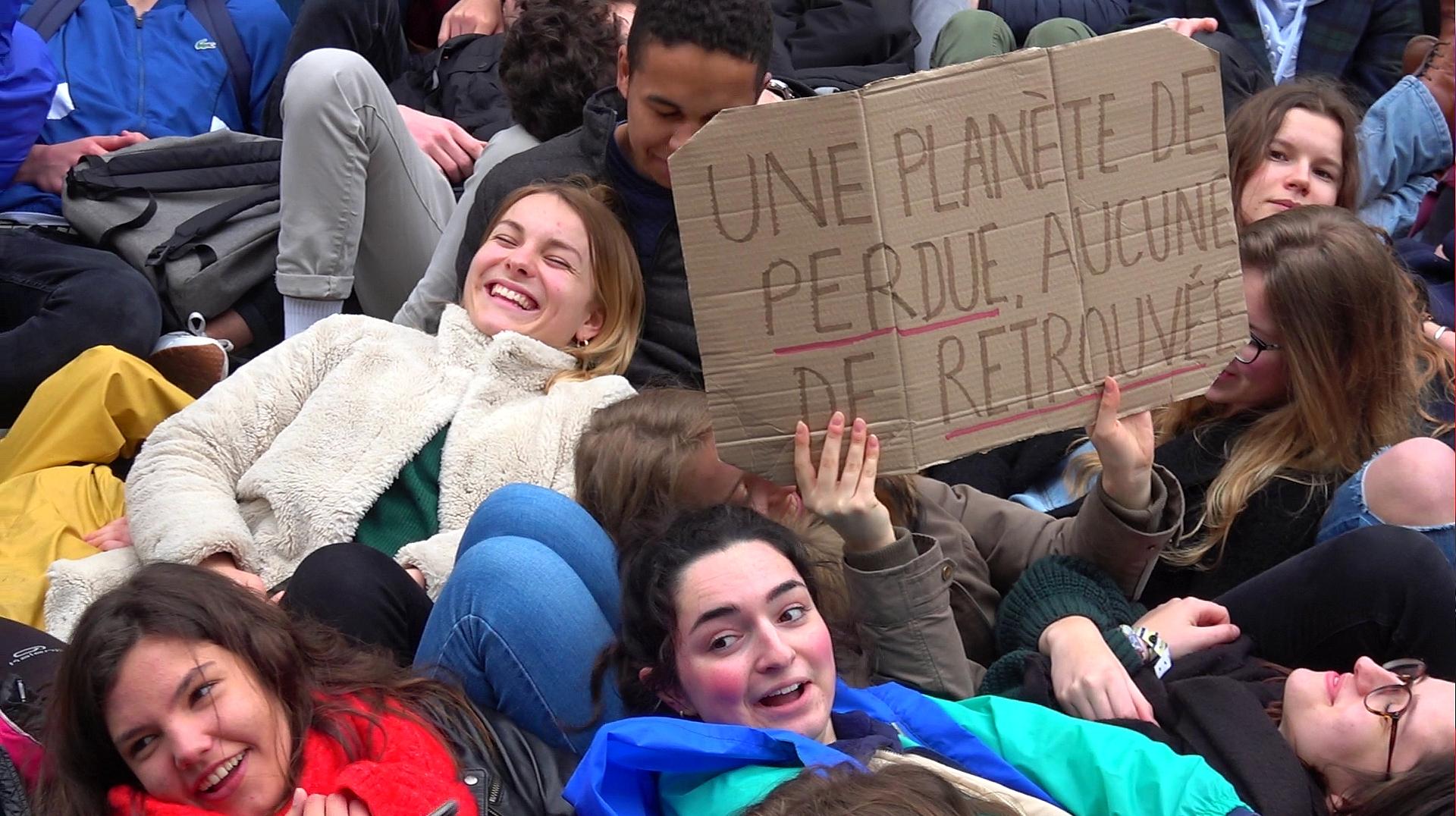 190315 - Lannion grève scolaire pour le climat - La Déviation