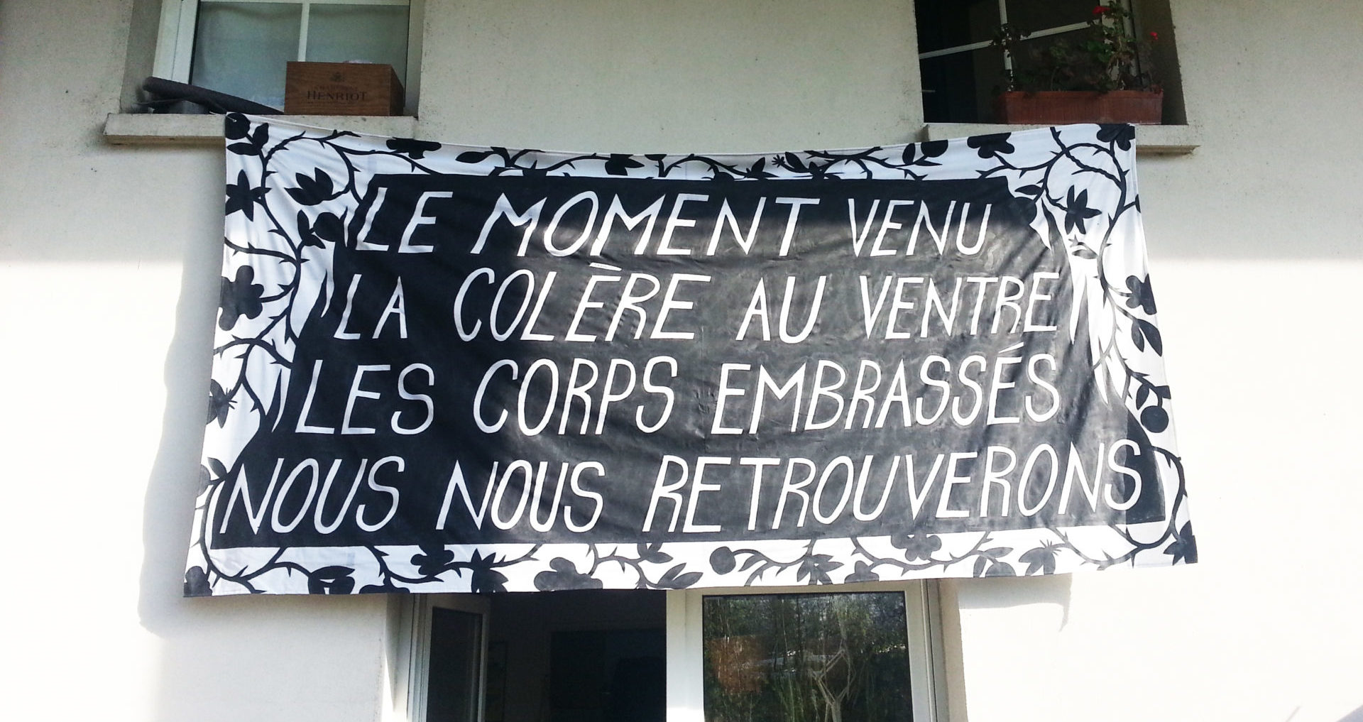 200428 - Banderole Le Moment venu nous nous retrouverons by Atelier McClane - La Déviation