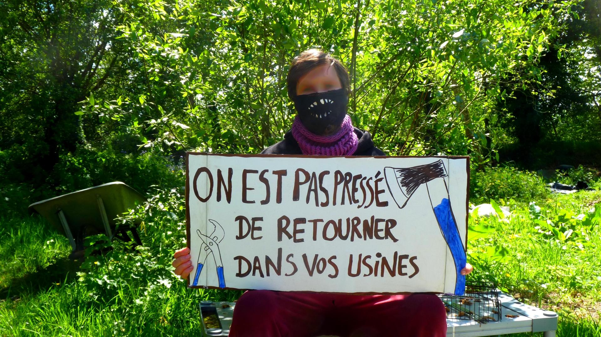 200502 - Manifestation du 1er mai 2020 à Lannion OK 05 - La Déviation
