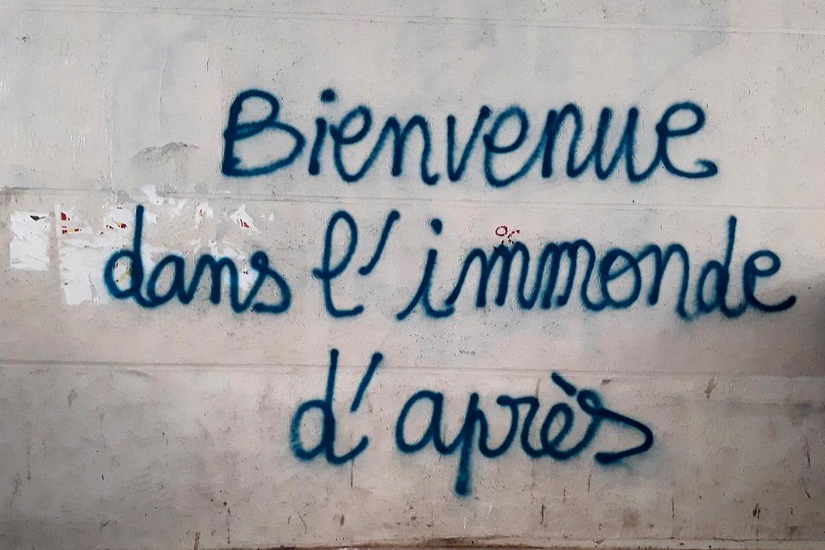 200520 - Tag Paris Bienvenue dans l'immonde d'après by Emily Lycos 1200x800 - La Déviation