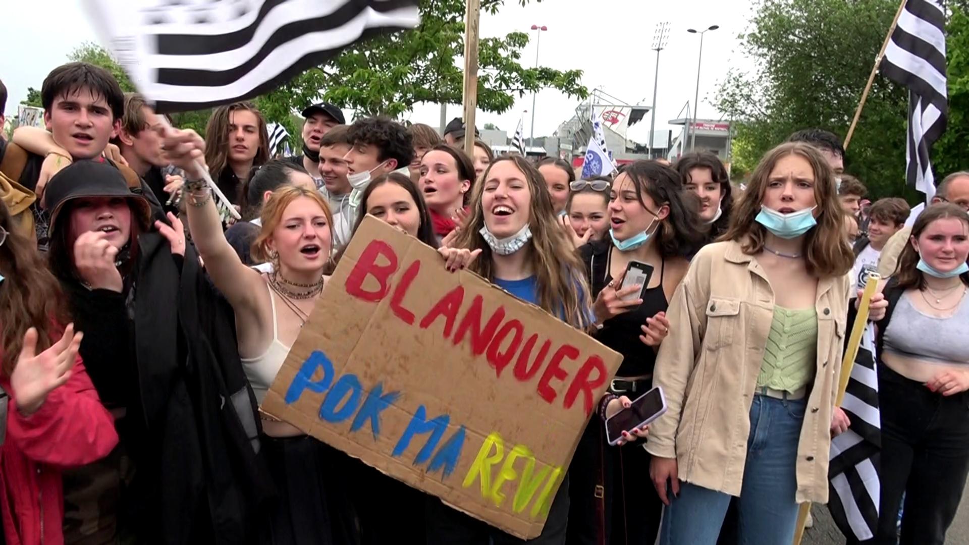210529 - Manif langue bretonne Guingamp sans cartouche